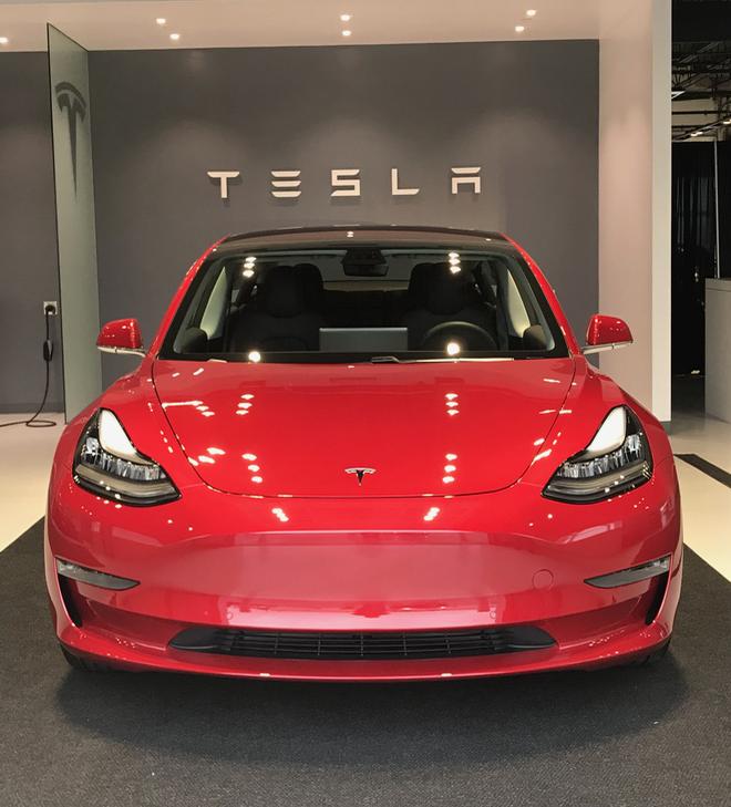 My Tesla (red Model 3)